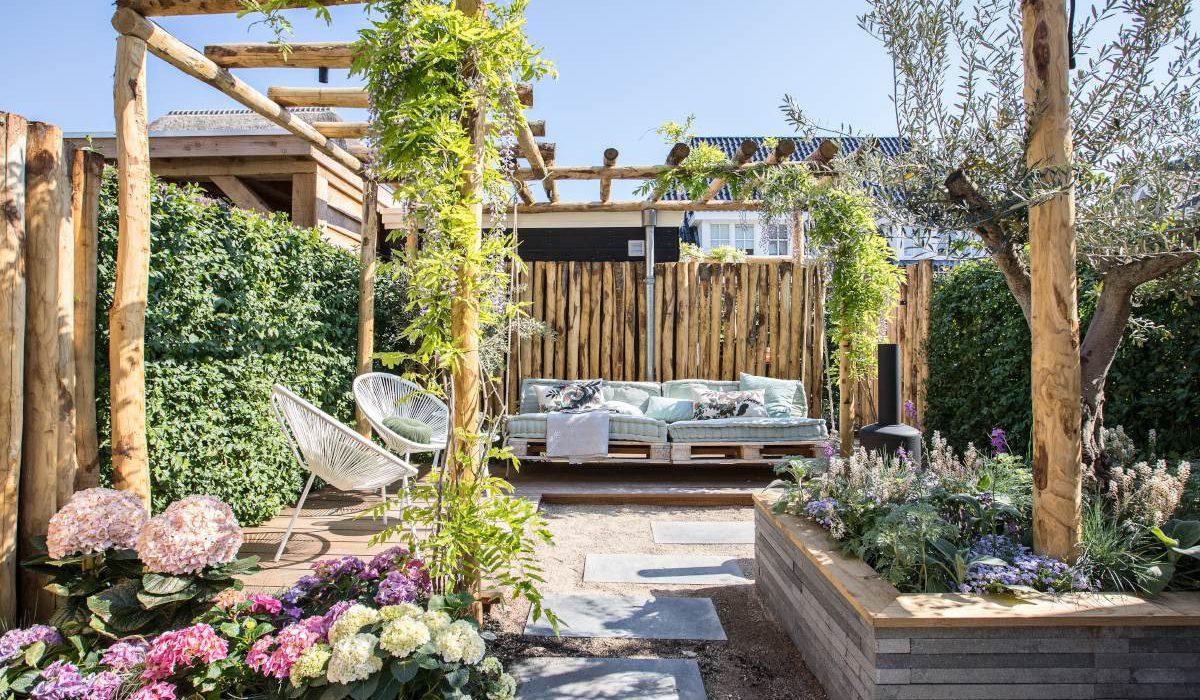 Het vakantiegevoel in je eigen tuin creëren