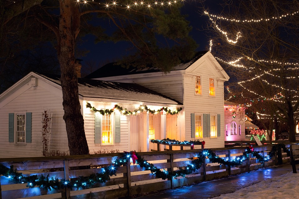 De 3 leukste manieren om je huis te verlichten tijdens de kerst