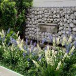 kunstplanten in de tuin