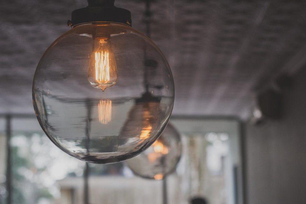 Op zoek naar verlichting voor de schuur of garage? Kies voor LED TL buizen!