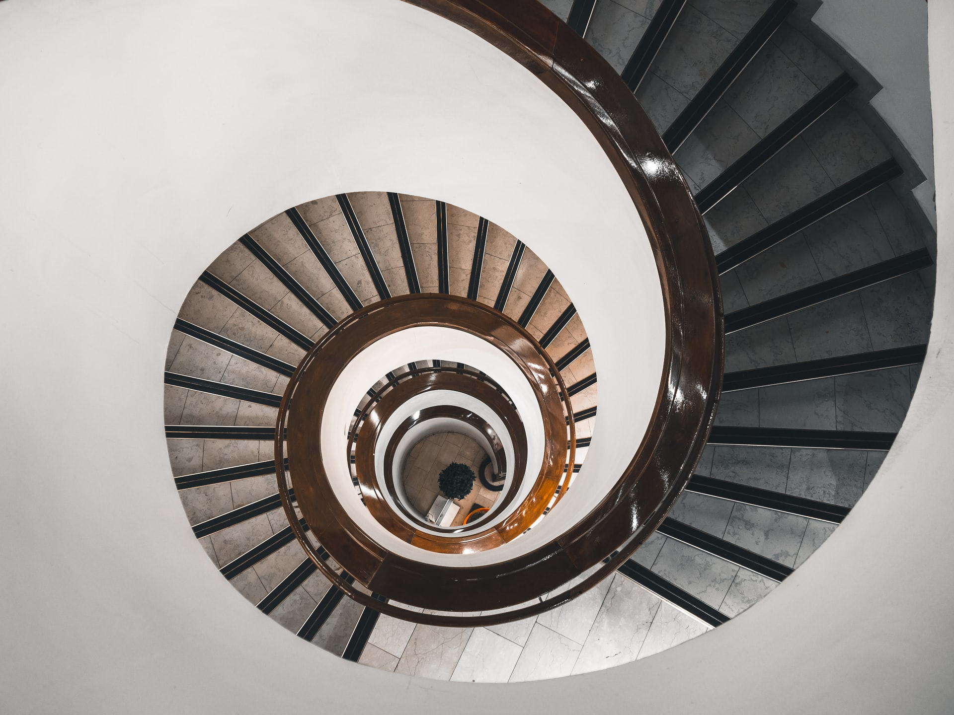 Waar moet je op letten bij het aanschaffen van een traplift?